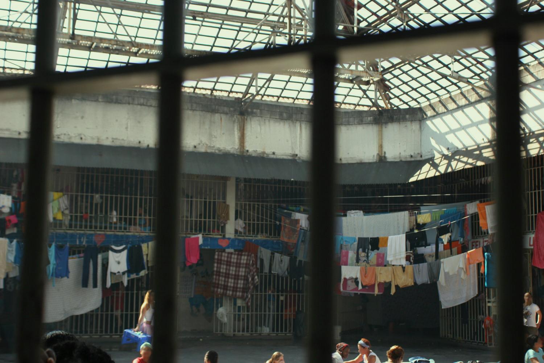 mulheres-encarceradas-sao-tema-de-debate-em-faculdade-de-medicina