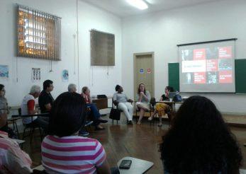 Na foto há uma roda com as voluntários e voluntários da Cruz Vermelha e representantes do ITTC apresentando o Instituto. Foto: Cruz Vermelha